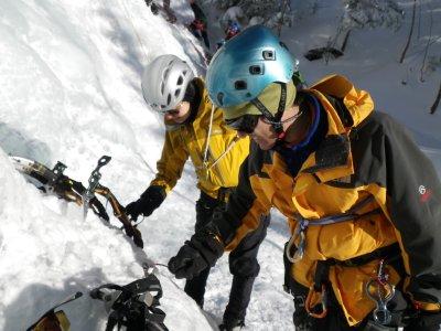 短いシーズンのアイスクライミング_b0133032_9304956.jpg