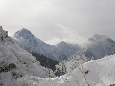 短いシーズンのアイスクライミング_b0133032_931732.jpg