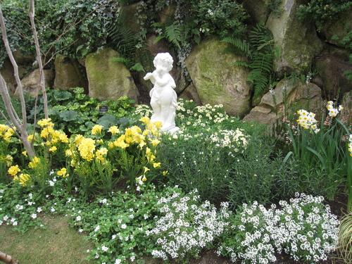 花フェスタ記念公園の地球館へ_a0243064_13411878.jpg