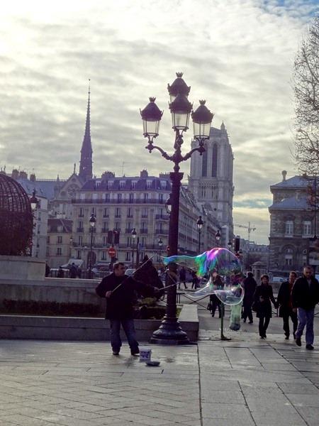 パリ1日目-本当の姿と懐の広さと・・・_b0165872_2143434.jpg