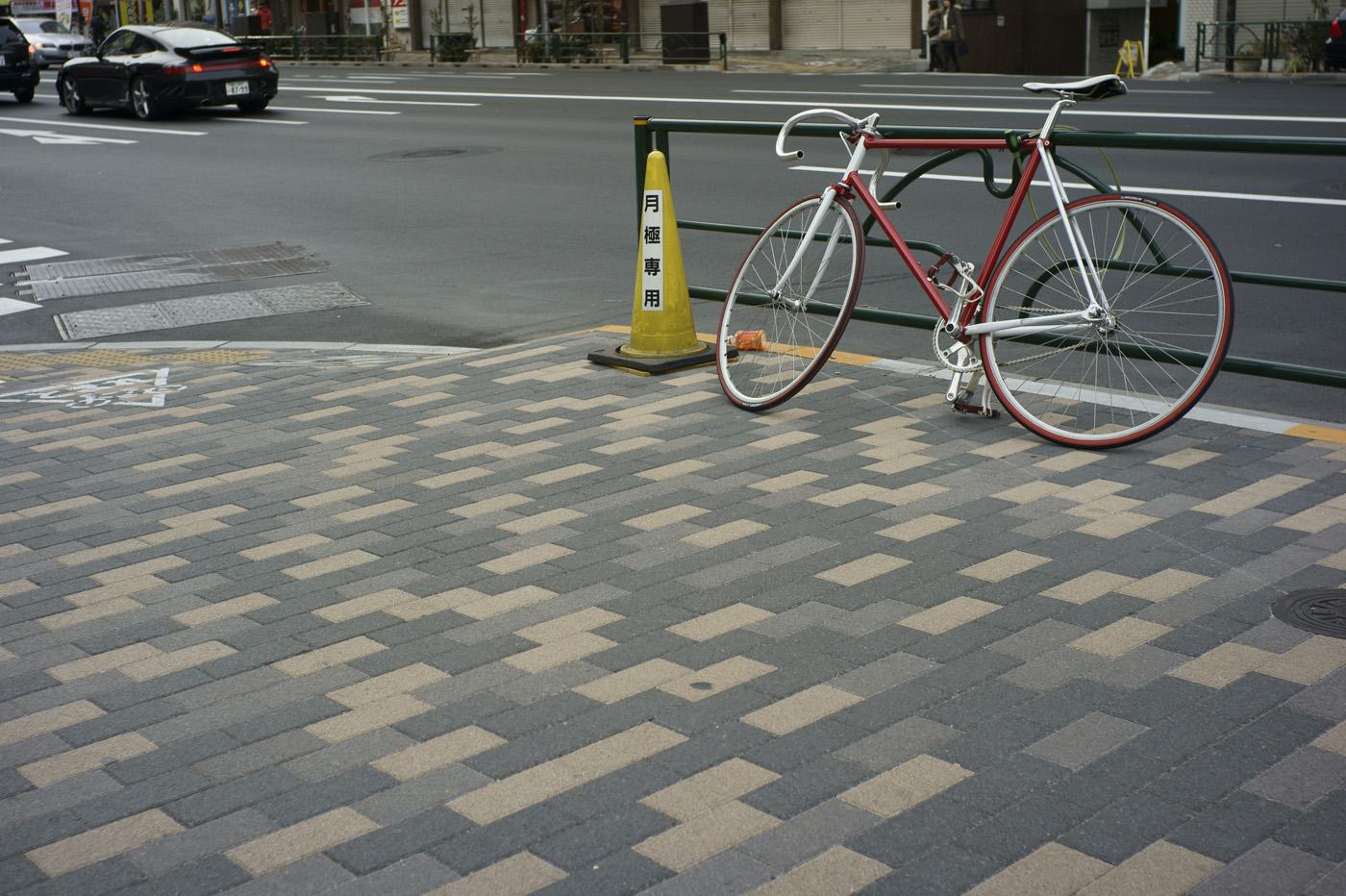 恵比寿の自転車、その20。_c0120903_122596.jpg