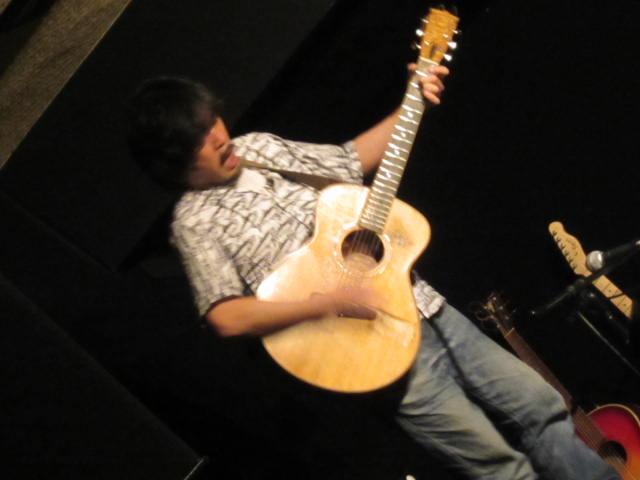 AZUMIライブ@あたらし屋_f0197703_1041572.jpg