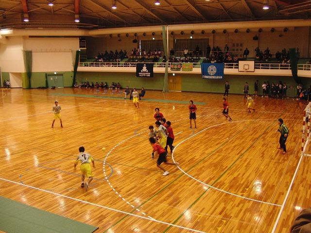 県高校新人ハンドボール大会で富士高男子が16年ぶりに優勝!_f0141310_7203356.jpg
