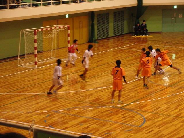 県高校新人ハンドボール大会で富士高男子が16年ぶりに優勝!_f0141310_7235378.jpg