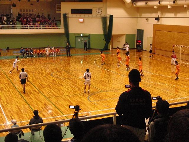 県高校新人ハンドボール大会で富士高男子が16年ぶりに優勝!_f0141310_7243659.jpg