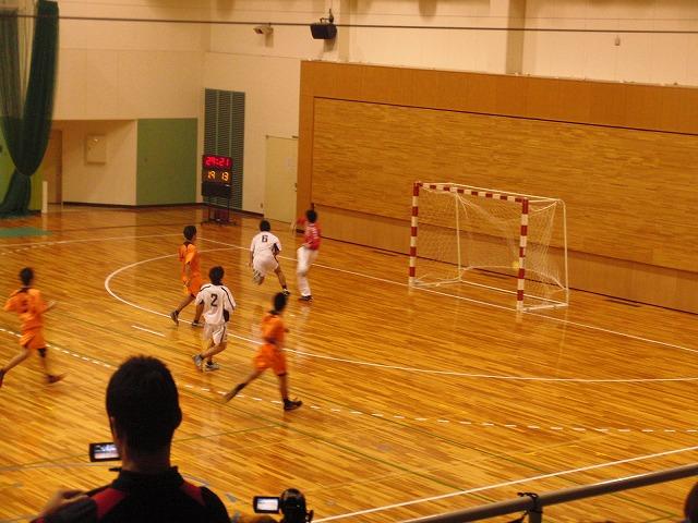 県高校新人ハンドボール大会で富士高男子が16年ぶりに優勝!_f0141310_7245994.jpg