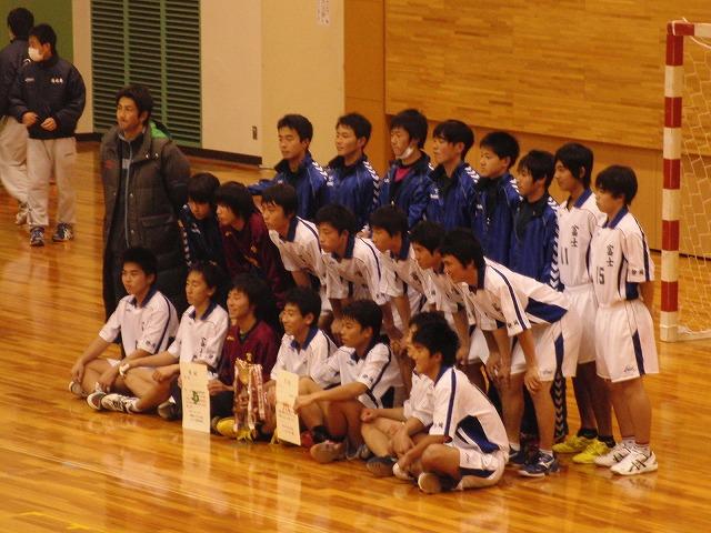 県高校新人ハンドボール大会で富士高男子が16年ぶりに優勝!_f0141310_7262788.jpg