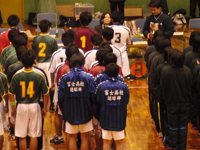 県高校新人ハンドボール大会で富士高男子が16年ぶりに優勝!_f0141310_7291471.jpg