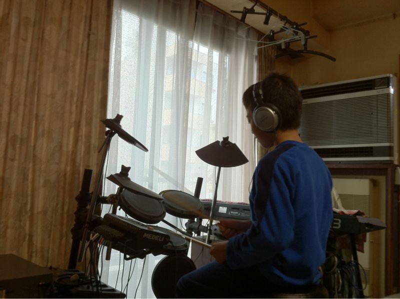 ドラム練習ちぅ_c0110051_16205231.jpg