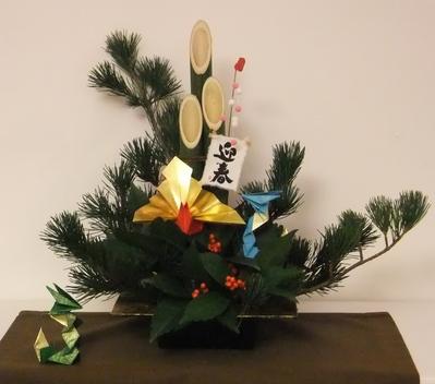 年末にレッスンした花が、まだ元気に・・・・・・・_d0092262_815878.jpg
