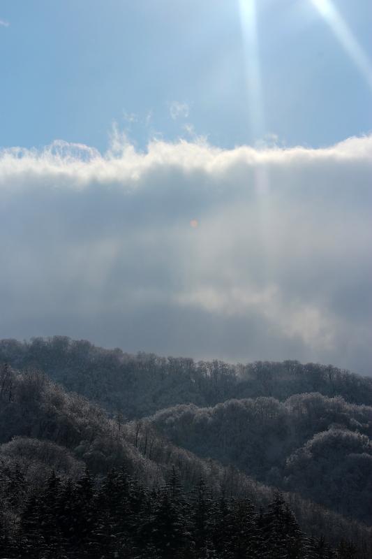 雪と氷の峠にて_a0158797_2234493.jpg
