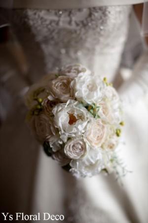 ころんとしたお花のティアドロップブーケ ウェスティンホテルのおふたりに_b0113510_1533100.jpg