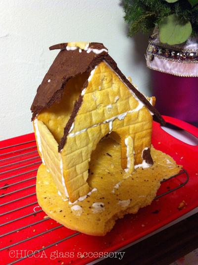 お菓子の家_b0213347_1459427.jpg