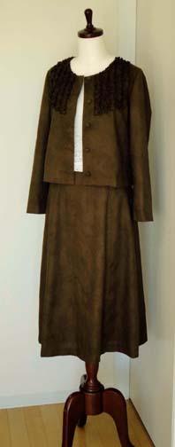 フリルいっぱいのブラウスジャケット&スカートのセット_f0182167_20573962.jpg