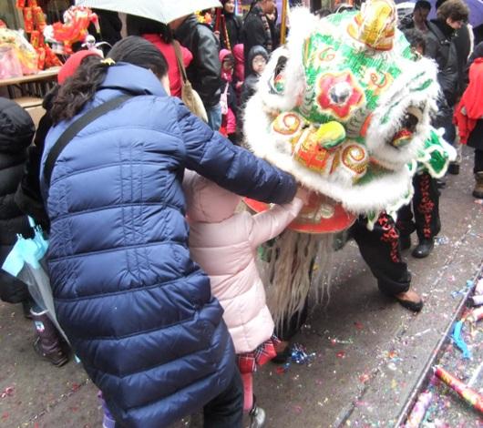 新年を祝うニューヨークのチャイナタウン_b0007805_23442941.jpg