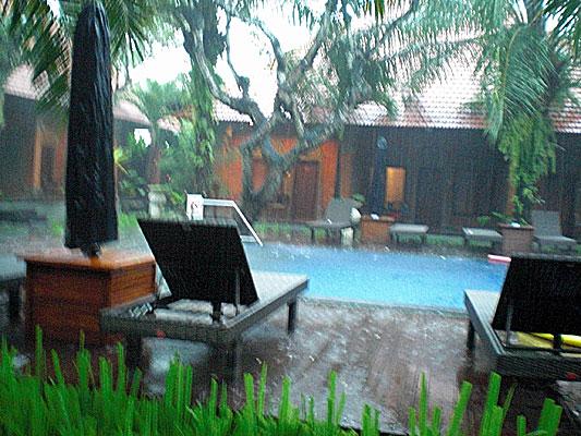 Rainy season_b0195783_15592191.jpg