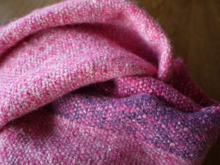 大人ピンクのショール_a0102486_8572969.jpg