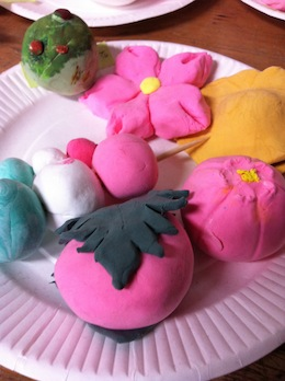 紙粘土で和菓子づくり_c0052304_73749.jpg