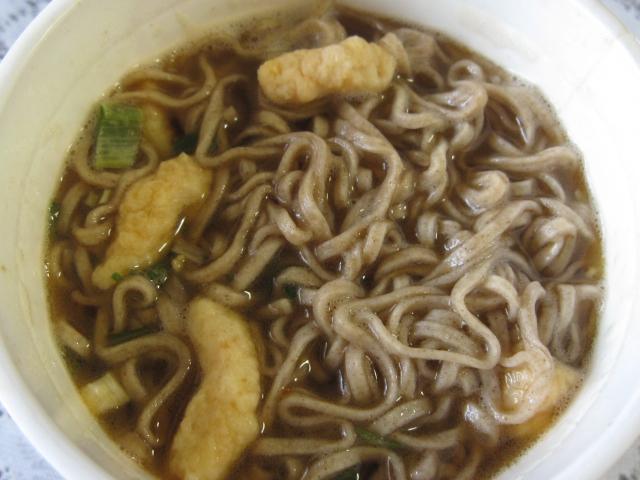 日清食品「復刻版!カップヌードル天そば」¥168_b0042308_18513127.jpg