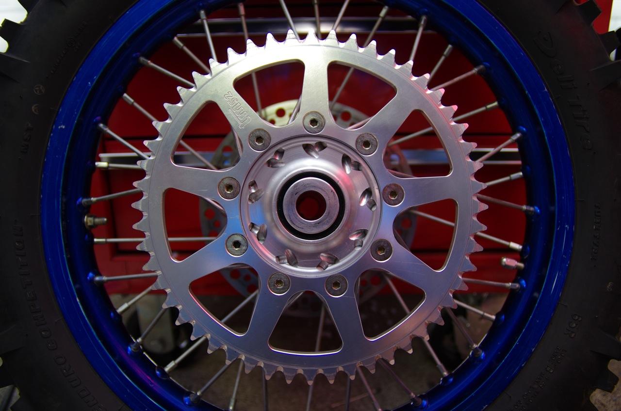 【tm】リアブレーキ及びリアタイヤ、清掃、取り付け_e0159646_13281578.jpg