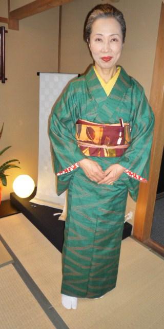 暖かそうな紬姿の加藤ますえさんと、カッコ悪い私。_f0181251_15424332.jpg