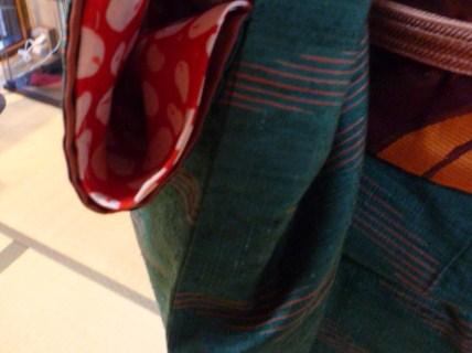 暖かそうな紬姿の加藤ますえさんと、カッコ悪い私。_f0181251_15513179.jpg