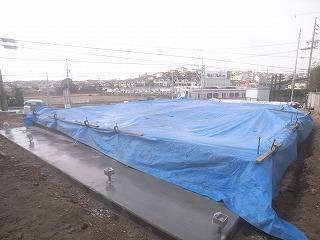 基礎コンクリートの養生_f0059988_17225313.jpg