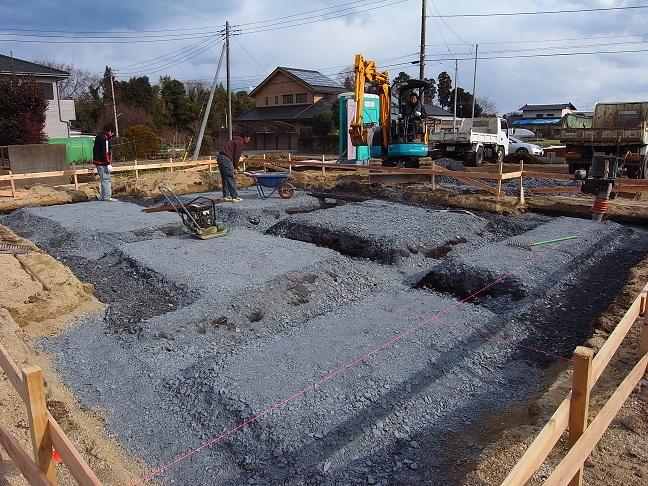 三反田の家 基礎工事中 2012/1/27_a0039934_1741334.jpg