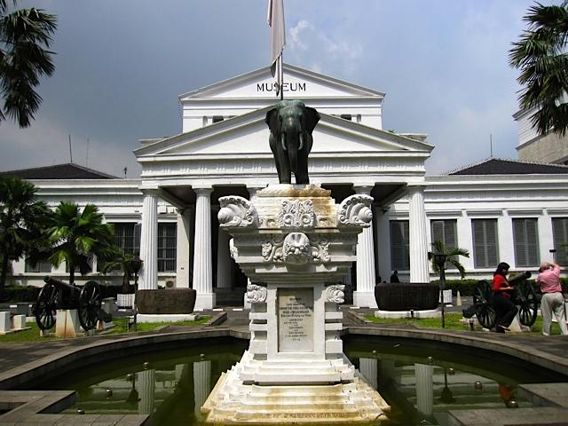 Museum Gajah_d0106242_1826502.jpg
