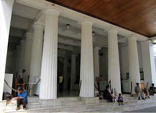 Museum Gajah_d0106242_1827155.jpg