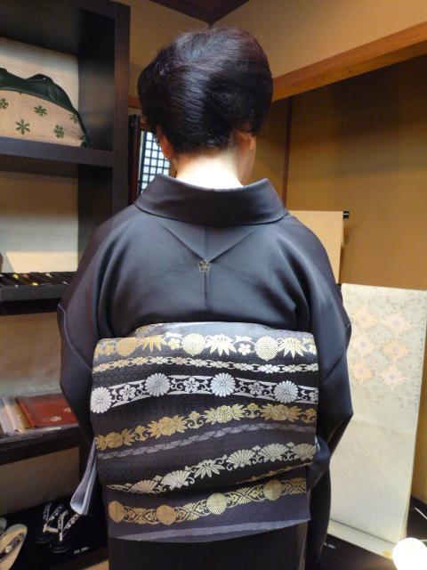 素敵な源氏香の着物に三眠蚕の帯のお客様。_f0181251_12382283.jpg