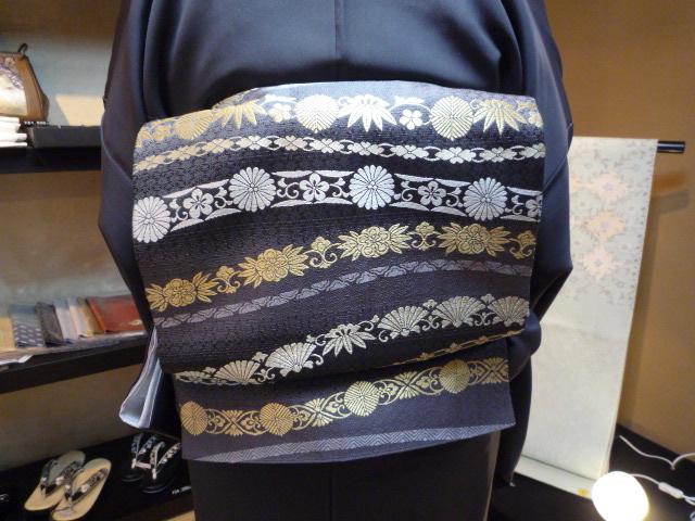 素敵な源氏香の着物に三眠蚕の帯のお客様。_f0181251_1239595.jpg