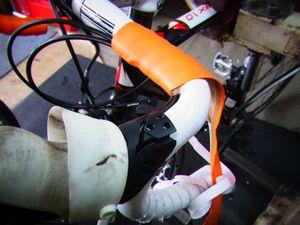フジ ルーべ ロードバイクのバーテープ交換 _e0140354_1764162.jpg