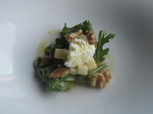 2月の料理「春菊サラダ」_d0177560_14275683.jpg