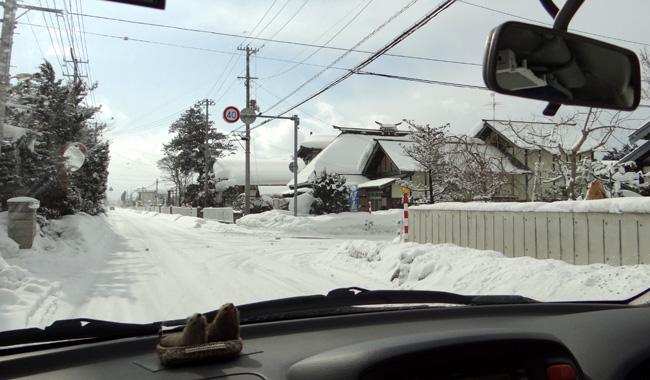 弘前の雪景色から、地吹雪の様子まで^^_a0136293_1626224.jpg