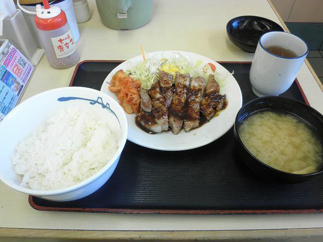 松屋の豚テキ定食    布施南店_c0118393_198225.jpg