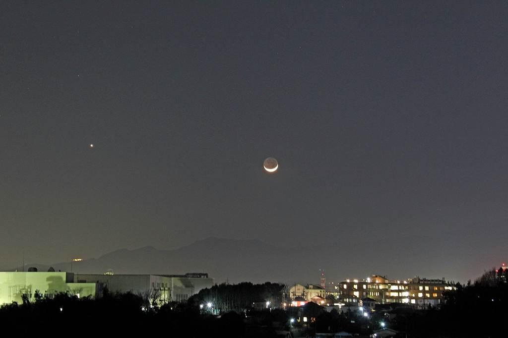 今年初めてのカワセミ/三日月が富士山に刺さりました_b0024798_10385465.jpg