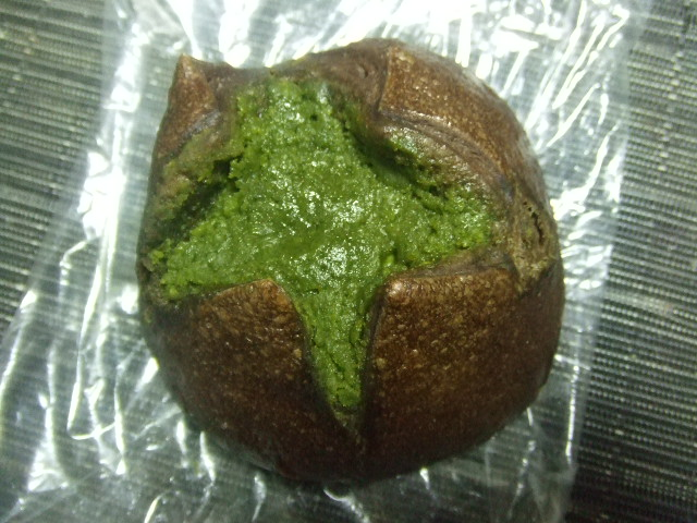 カリンベーグル 抹茶チーズケーキと抹茶クッキーのせ_f0076001_23281490.jpg