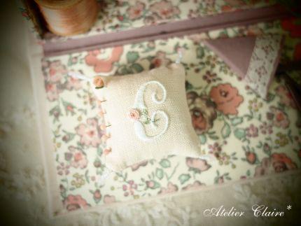 小さな刺繍を楽しむ_a0157409_945148.jpg