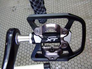 アンカー シクロクロス タイヤ&ペダル交換_e0140354_11433080.jpg