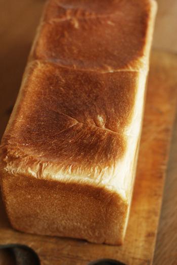 うちの食パンは角だから。_f0149855_7203079.jpg