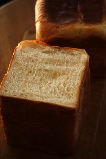 うちの食パンは角だから。_f0149855_7213880.jpg