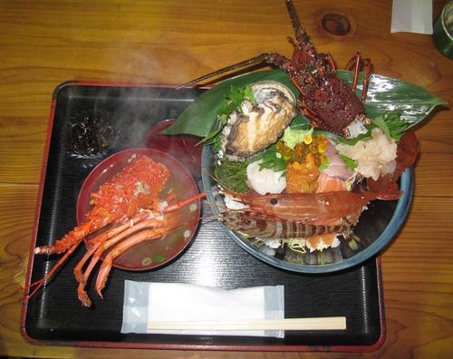 驚きの海鮮丼!でした_a0243064_20211697.jpg