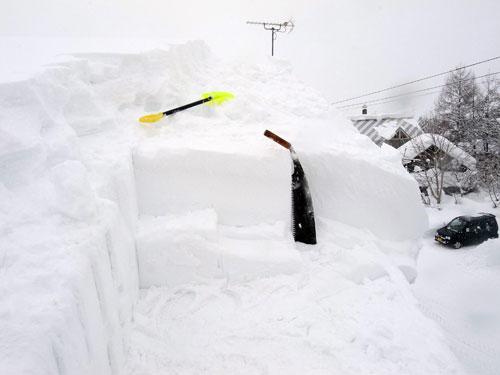 雪庇落とし、続続編_c0189970_16282025.jpg