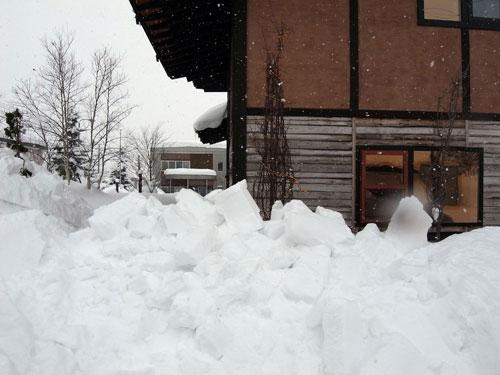 雪庇落とし、続続編_c0189970_16474029.jpg