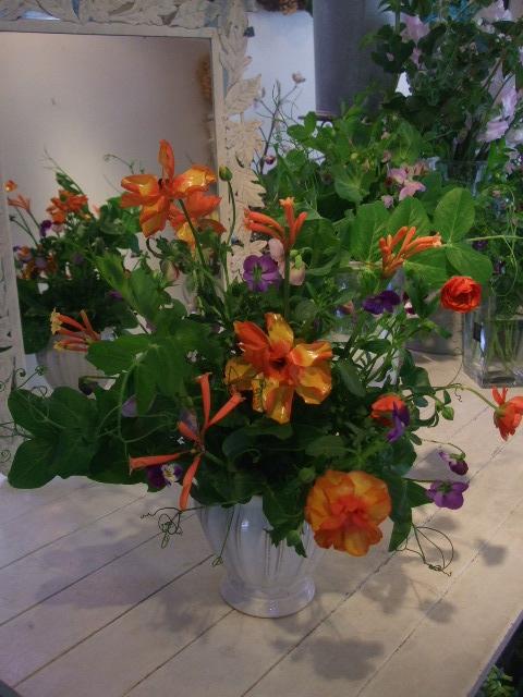 オークリーフ花の教室(中山さんと石井さんの作品)_f0049672_1585025.jpg