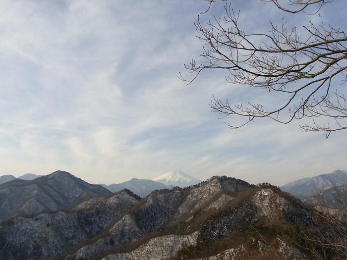 2012.1.28 中央線Southソロハイク ~低山のFlat&Longな尾根を探しに~_b0219778_21111272.jpg