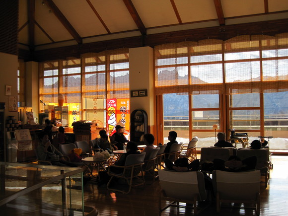 碓氷峠~温泉・釜めし・SL・ダム湖~_f0236260_230879.jpg