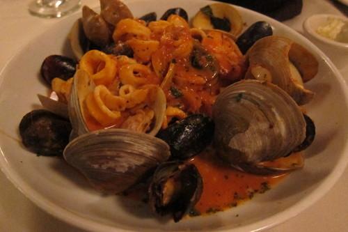 豪邸でディナー、の気分になれるイタリアン・レストラン_d0240098_0515076.jpg