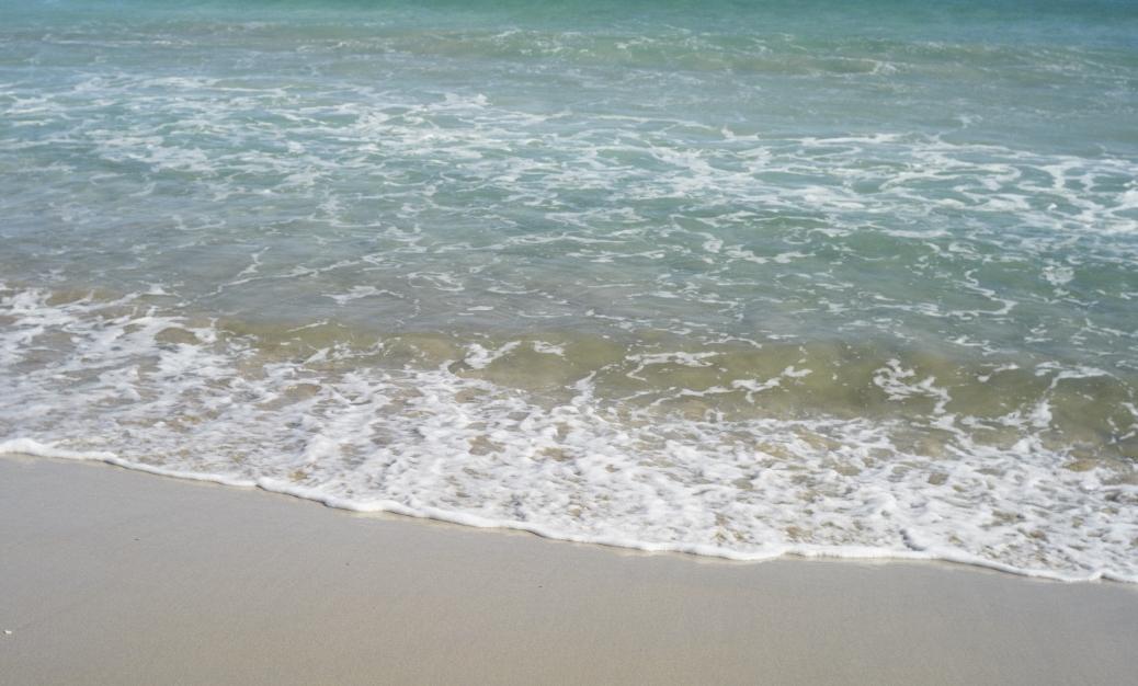 真夏のような海の色_b0212922_2356788.jpg